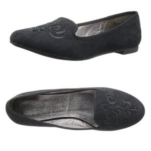 Wanted Shire Black Embroidered Flats Size 8